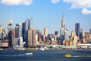 Die Skyline über dem Hudson River in News York